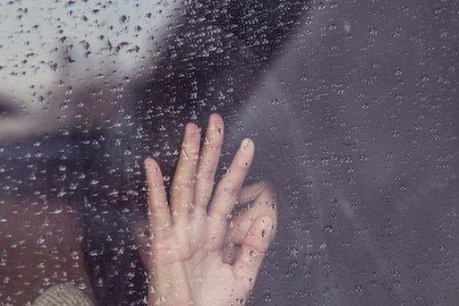 women-crying-in-rain